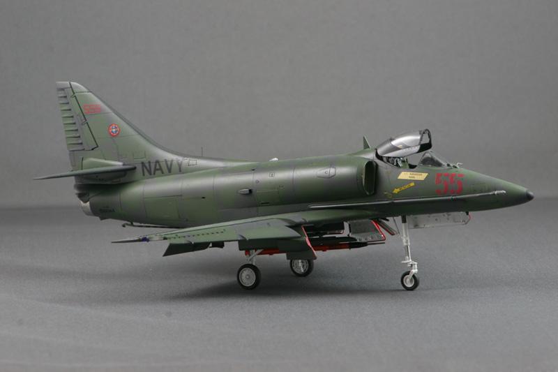 A-4E_55_9715_800.jpg
